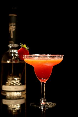 strawberry-margarita-milagr.jpg