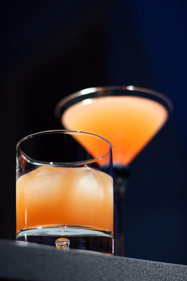 Two red cocktails (Два красных коктейля)