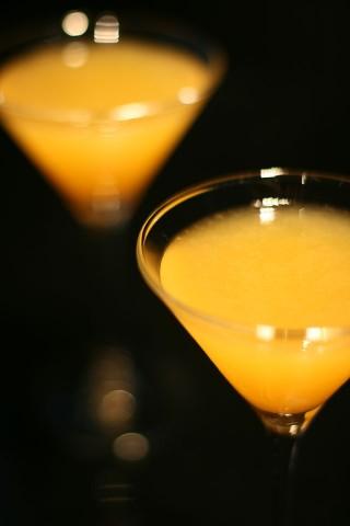 The Volga Boatman Cocktail (Два красивых желтых коктейля)