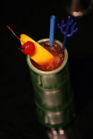 The Zombie Cocktail in pretty bamboo-glass (Коктейль Зомби в бокале в виде стебля бамбука)