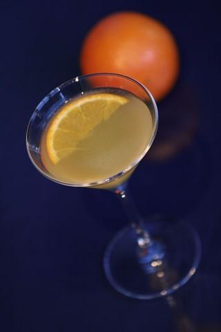 The Paradise Cocktail with orange (Коктейль Рай и апельсин)