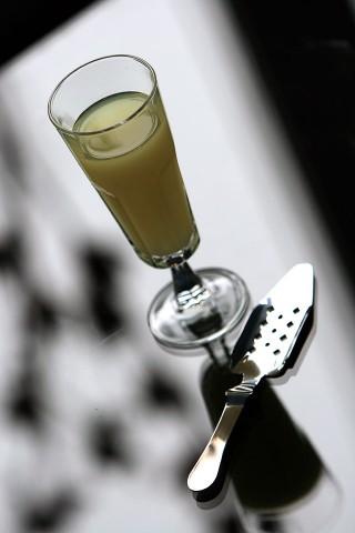 The Pernod Drip (Бокал с Перно, разбавленным ледяной водой)