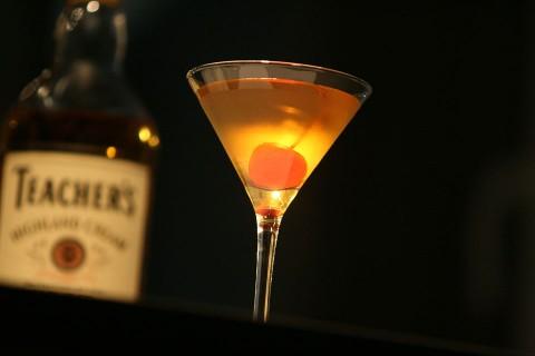 The Rob Roy Holiday Style Cocktail (Праздничная версия коктейля Роб Рой)