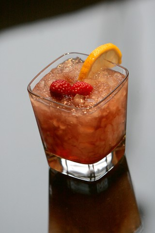 The Bramble Cocktail ( )