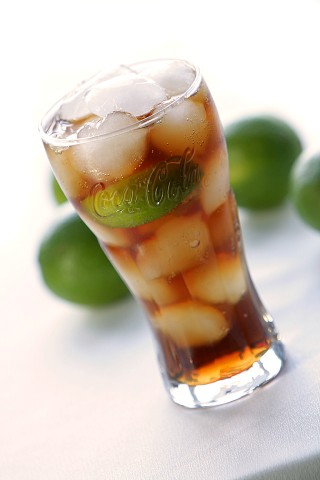 The Cuba Libre Cocktail (Коктейль Куба Либре)