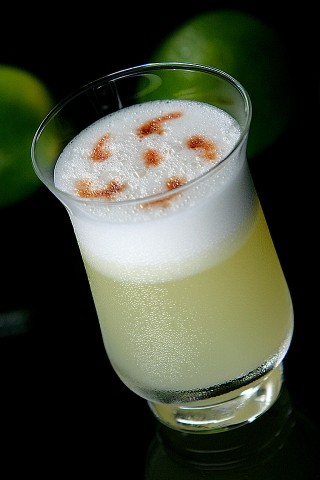 The Pisco Sour Cocktail (Коктейль  Писко Сауэр)