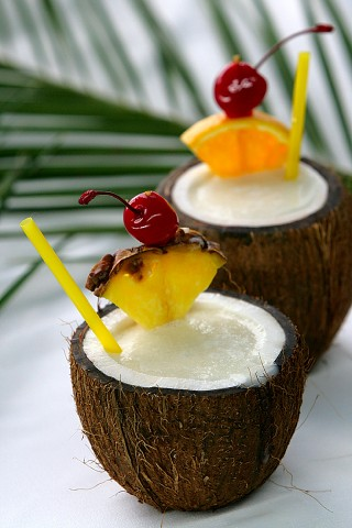 The Pina Colada Cocktail served in the coconut (Коктейль Пина Колада в кокосе)