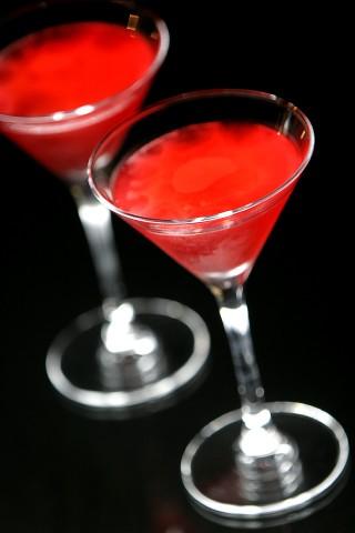 The Bermudiana Rose Cocktail (Коктейль Бермудская Роза)