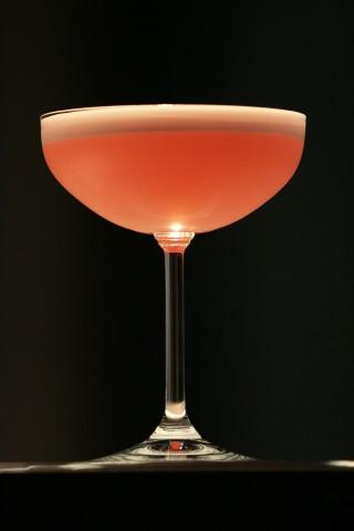 The lovely Clover Club Cocktail (Очаровательный коктейль Клоувер Клаб)