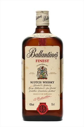 Старая бутылка Балантайнз