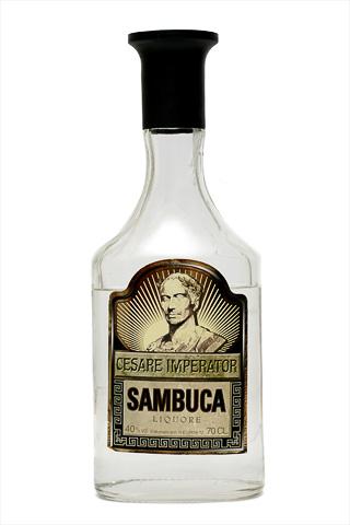 Бутылка самбуки Чезаре Императоре