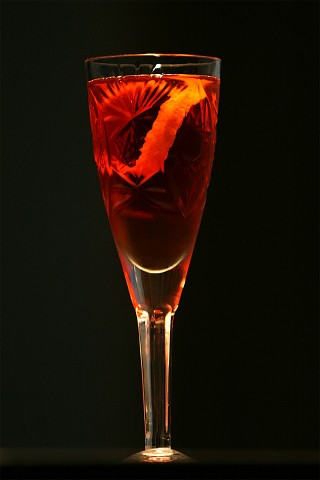 The Boulevardier Cocktail in fancy crystal glass (Коктейль Булевардер в хрустальном бокале)