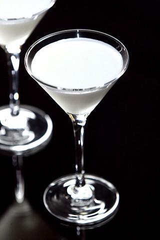 The Alexander Cocktail (Белоснежный Коктейль Александер)