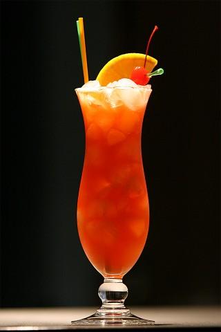 Red Hurricane Cocktail (Коктейль Ураган красного цвета)