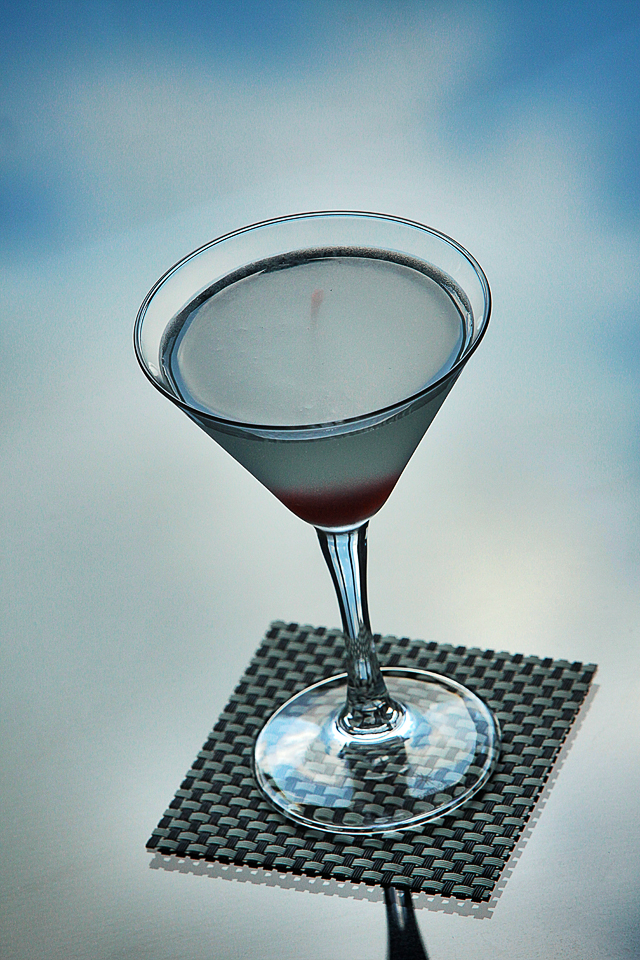 Aviation Cocktail in the sky | ScienceOfDrink.com