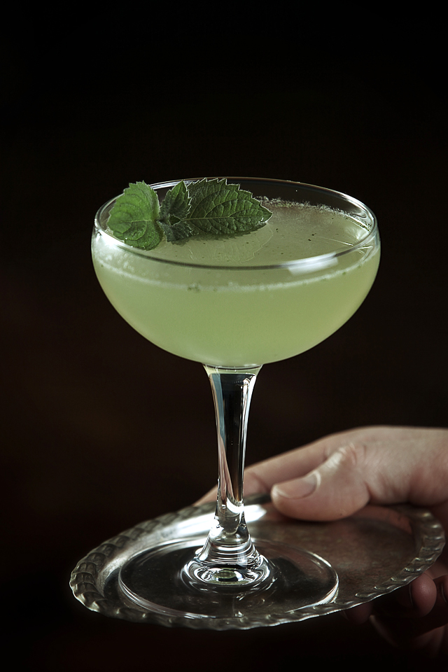 Old Style Southside Cocktail garnished with fresh mint | ScienceOfDrink.com