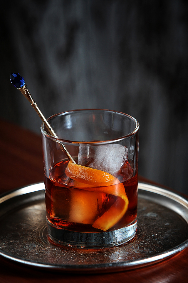 Improved Whiskey Cocktail old-fashioned style | ScienceOfDrink.com