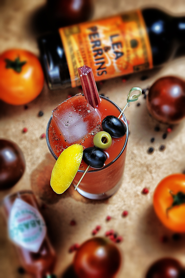 Bloody Mary Cocktail with tomatoes and peppercorns | ScienceOfDrink.com