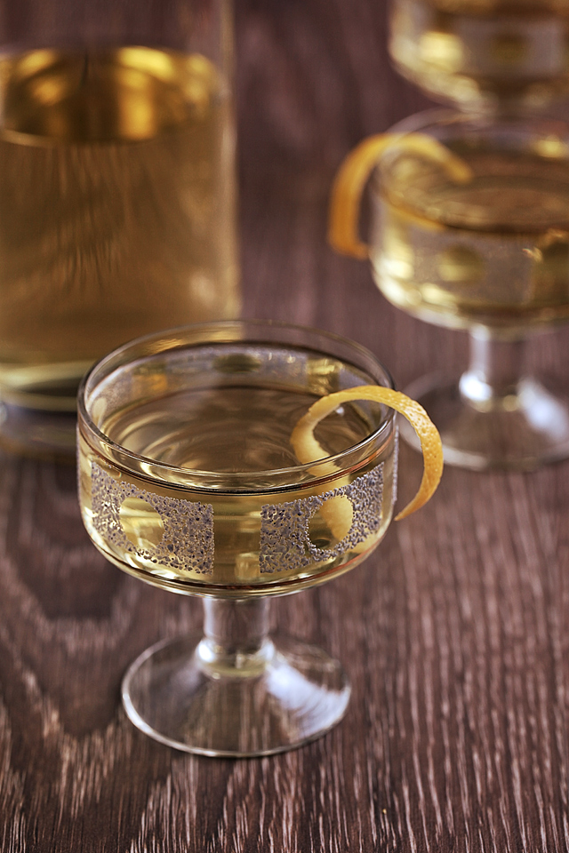 The English Milk Punch straight up | ScienceOfDrink.com