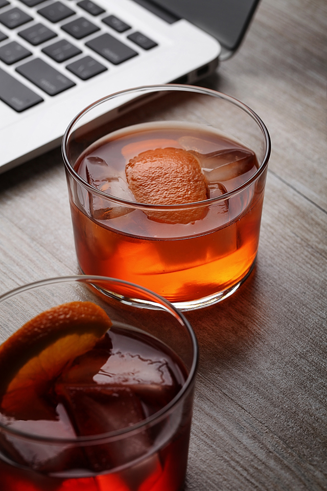 Aperol Negroni aka Contessa Cocktail | ScienceOfDrink.com