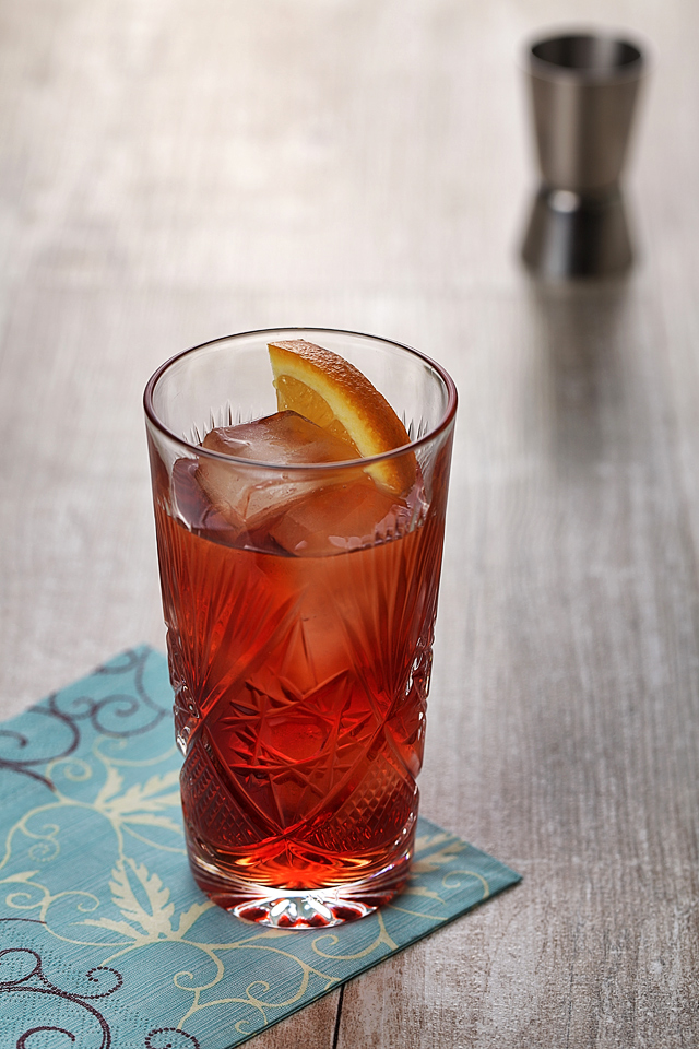 The Negroni Cocktail | ScienceOfDrink.com