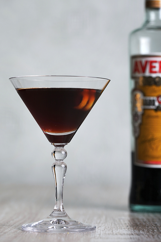 Black Manhattan | ScienceOfDrink.com