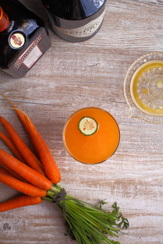 How to make a Carrot 43 Martini Cocktail | ScienceOfDrink.com