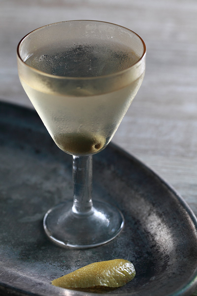 The Martini Cocktail ala Louis Muckensturn (first printed formula) | ScienceOfDrink.com