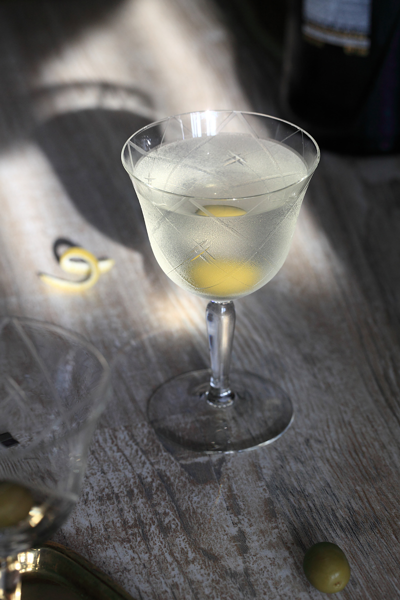 The Martini Cocktail in autumn sunlight | ScienceOfDrink.com