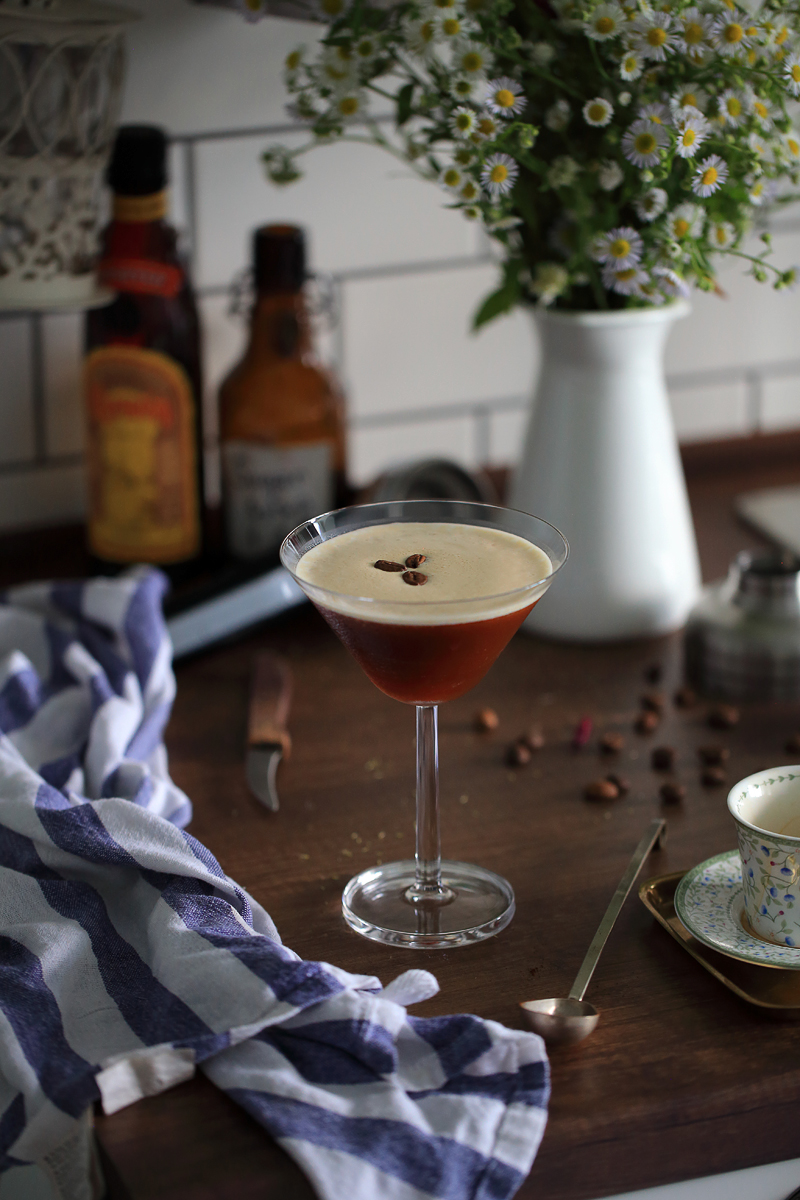 How to make Bradsell's Espresso Martini | ScienceOfDrink.com