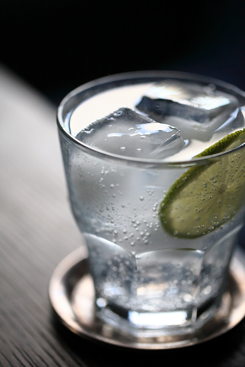 Classic Gin and Tonic | ScienceOfDrink.com