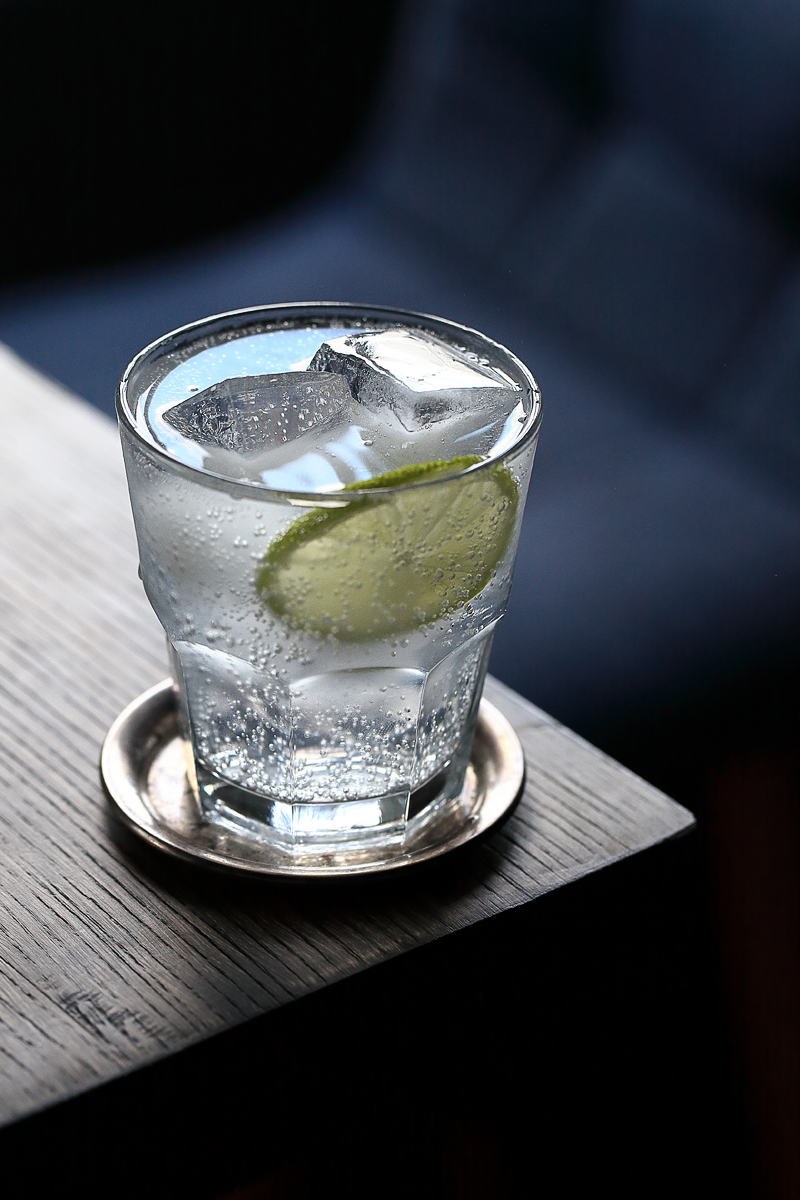 Old-school Gin & Tonic Cocktail British Style | ScienceOfDrink.com