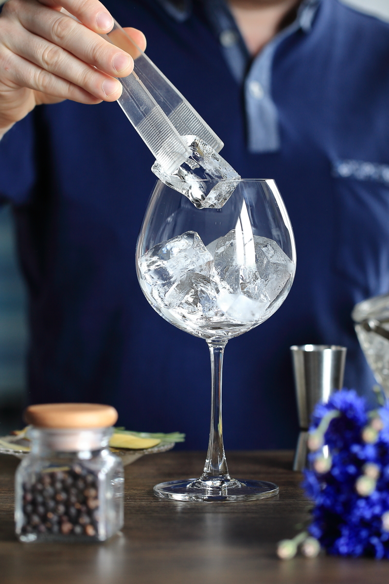 Gin and Tonic needs ice | ScienceOfDrink.com